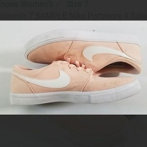 "Nike ""sample"" shoes size 7!"
